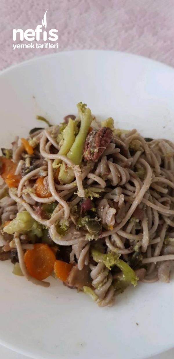 Sebzeli Vegan Noodles