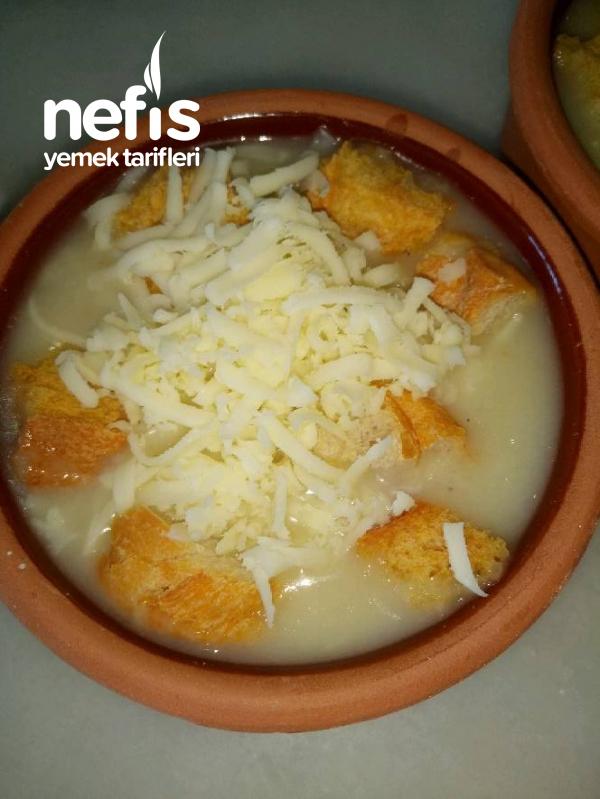 Soğan Çorbası (Fırında ve Çıtır Ekmekli)