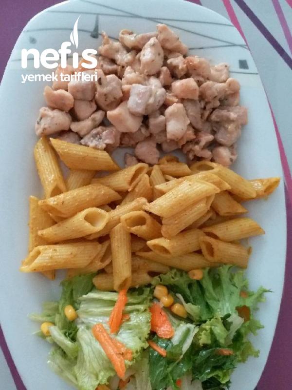 Kremalı Tavuk, Körili Makarna, Salata