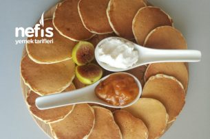 Ballı Labne Ve Kayısı Marmelatı Eşliğinde Mini Pankekler Tarifi