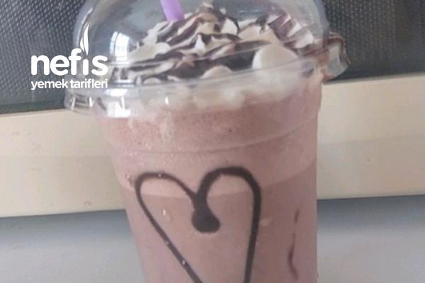 5 Dakikada Kakaolu Dondurmalı Milkshake Tarifi