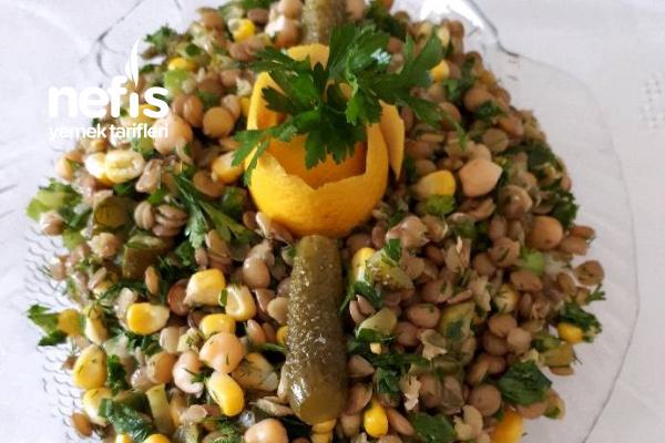 Nohutlu Yeşil Mercimek Salatası Tarifi