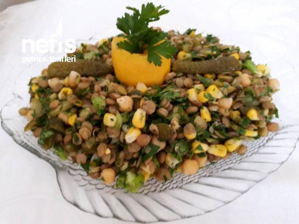 Nohutlu Yeşil Mercimek Salatası