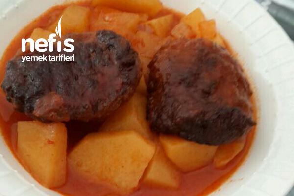 Tencerede Köfteli Patates Tarifi