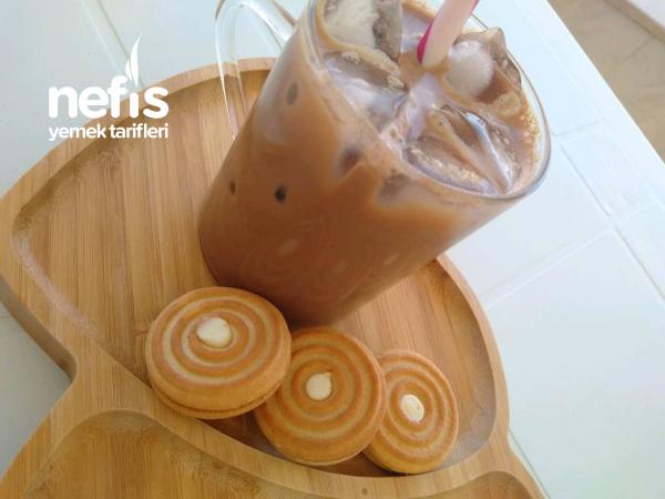 Serinleten Buzlu Soğuk Türk Kahvesi