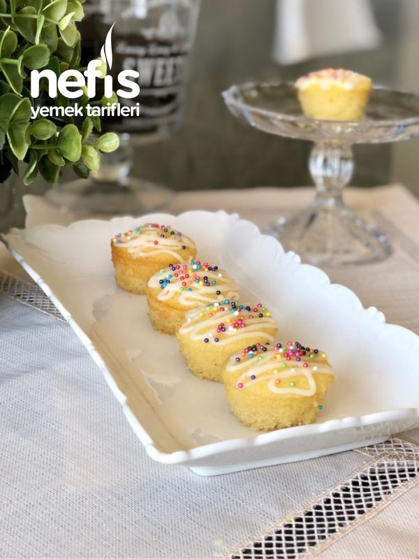 Limonlu Yumuşak Mini Kekler