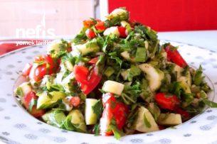 Bol Maydanozlu Yeşil Soğanlı Salata Tarifi