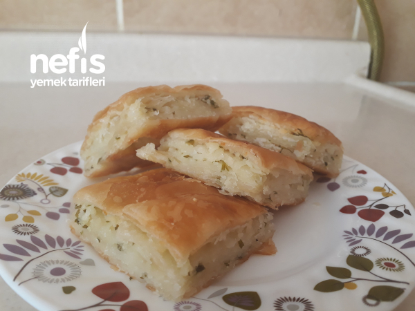 60 Yufkadan Peynirli Börek ( Tadına Bayılacaksınız)
