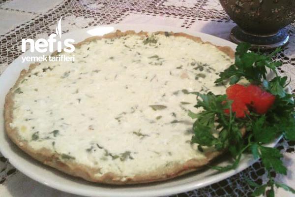 Peynirli Pizza Tarifi