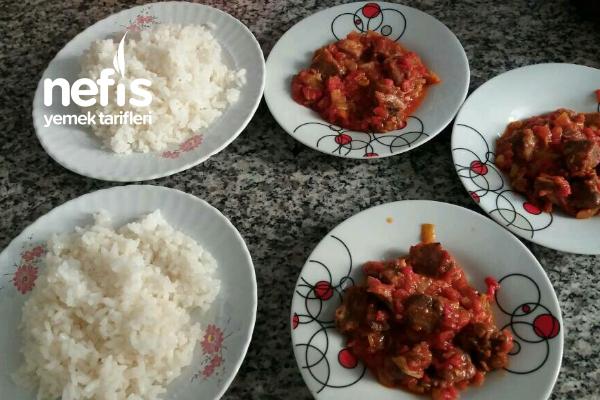 Et Suyuyla Yapılmış Pirinç Pilavım (Püf Noktasıyla) Tarifi