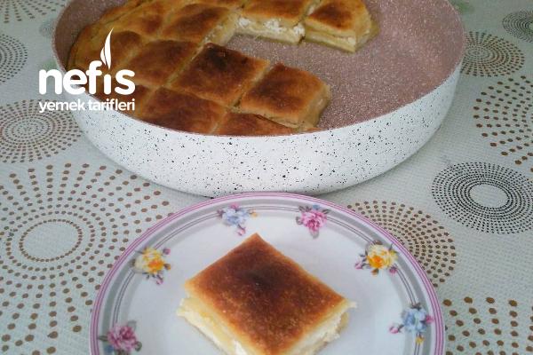 İlginç Pişirme Yöntemiyle Soslu Börek