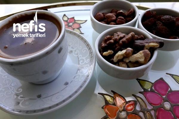 Çikolatalı Kahve (Herşey Yakışıyor) Tarifi