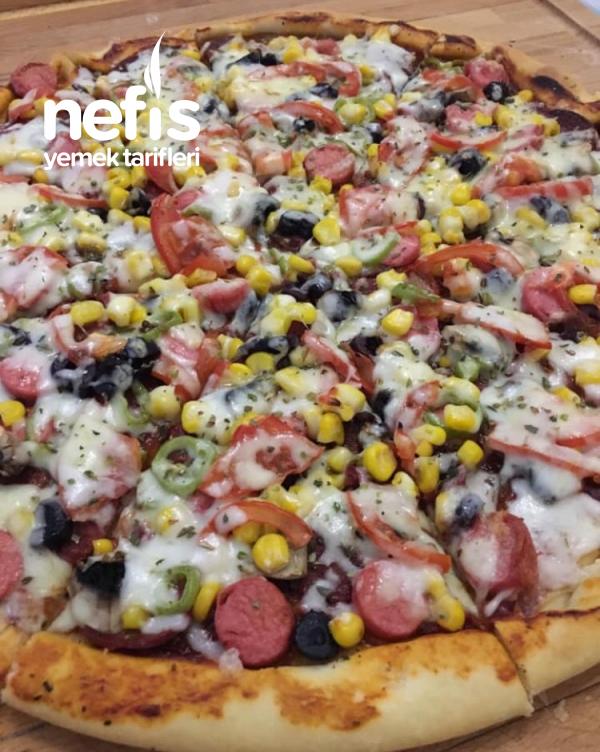 Pizza  ( Kesinlikle Denenmesi Gereken Nefis Bir Lezzet )