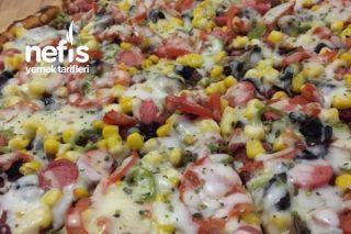 Pizza  ( Kesinlikle Denenmesi Gereken Nefis Bir Lezzet ) Tarifi