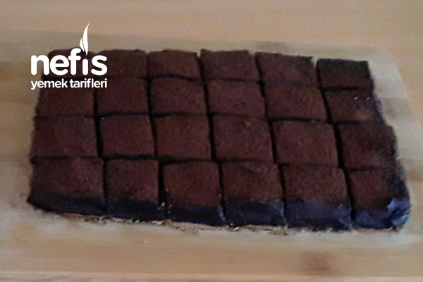 Ağızda Eriyen Çikolatalı Tatlı Dilimleri (Çay Ve Kahve Yanına İkramlık) Tarifi