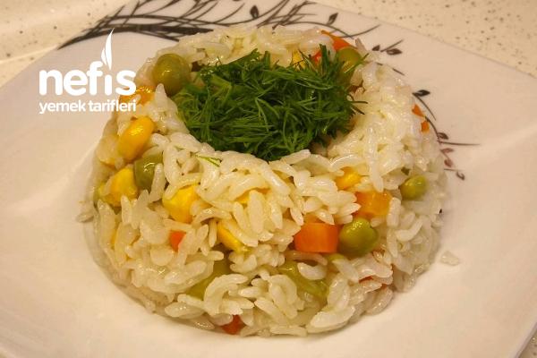 Garnitürlü Pilav Tavuk Sulu Garnitürlü Pirinç Pilavı (Videolu) Tarifi