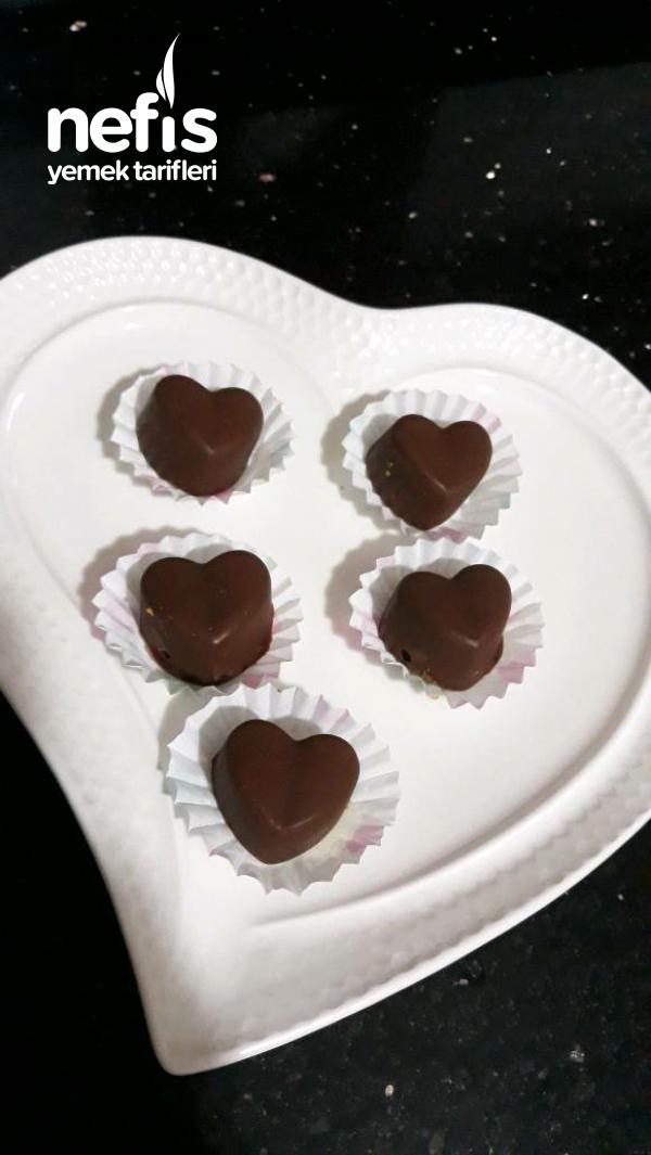 Ozel Gunlere Kalpli Cikolata