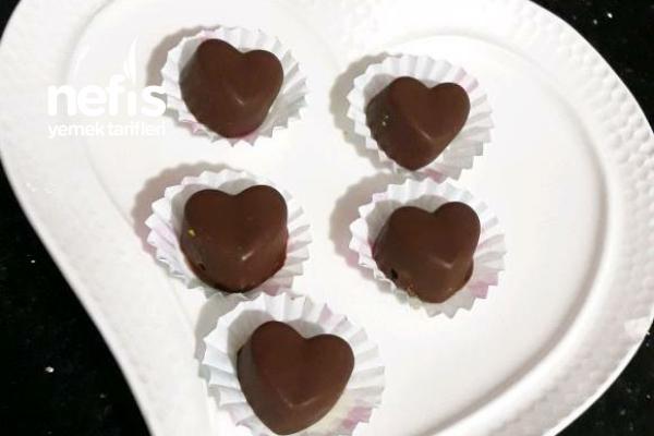 Özel Günlere Kalpli Çikolata