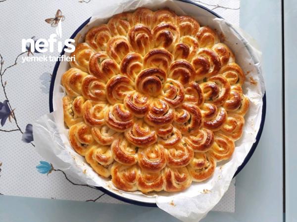 Peynirli Çiçek Börek