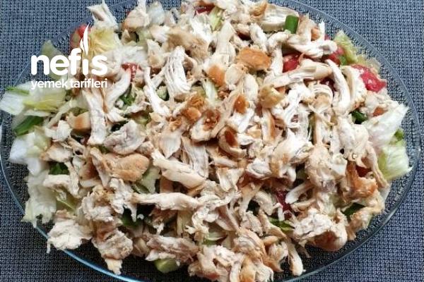 Tavuklu Salata (Diyet Yapanlar İçin) Tarifi