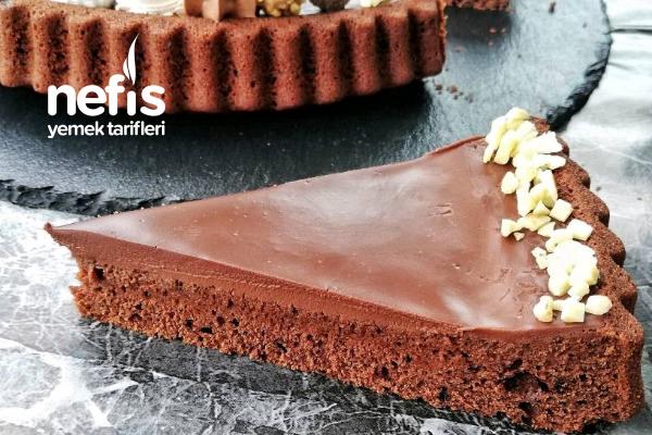 Çikolata Ganajlı Kek (Bildiğiniz Tat Farklı Süsleme) Tarifi