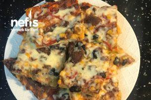 Kare Tepsi Pizzası Tarifi