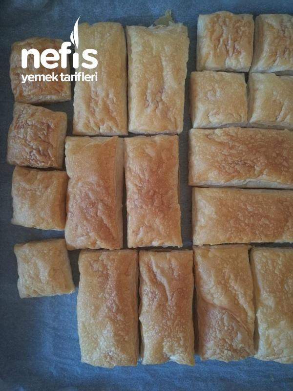 Çilekli Pratik Milföy Pasta