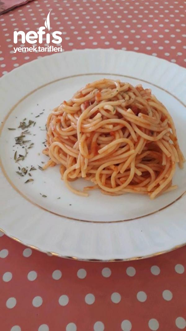Kolay Soslu Spagetti