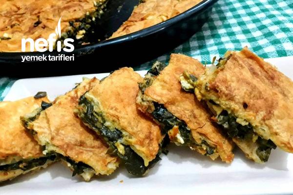Çıtırlığı Ve Lezzeti Sosundan Gelen Enfes Börek (Peynirli+Semizotlu) Tarifi
