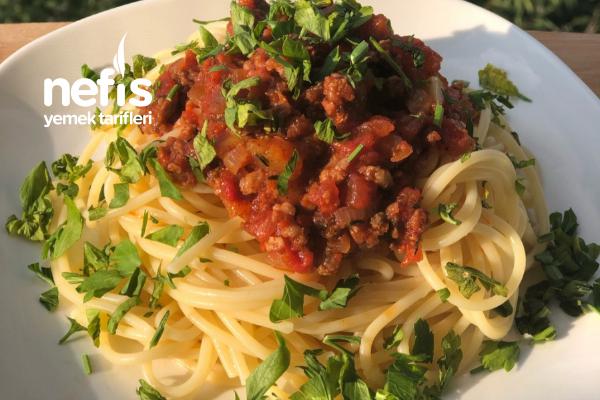 Spagetti (Kıymalı) Tarifi
