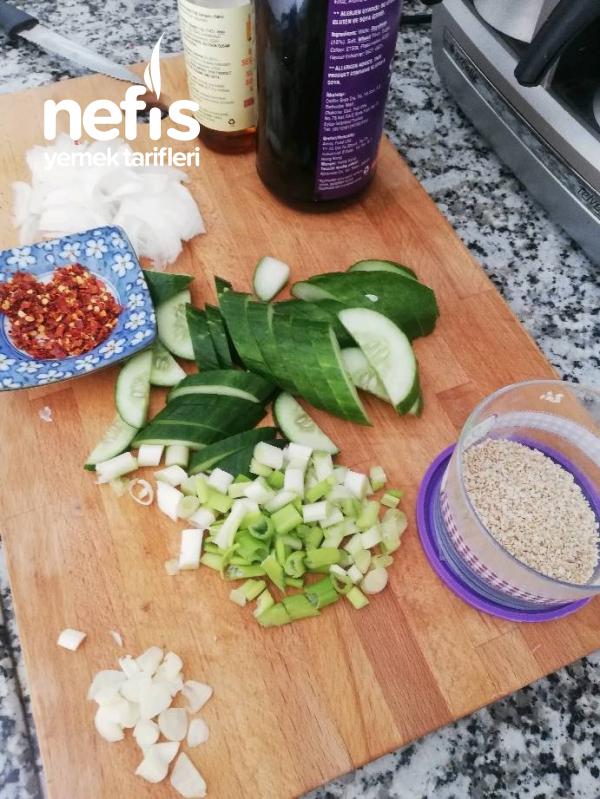 Hıyar Salatası – Oi-muchim ( Kore Mutfağı)