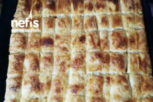 Dudak Isırtan Peynirli Börek Tarifi