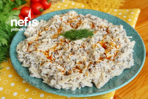 Erişteli Tavuk Salatası (videolu) Tarifi