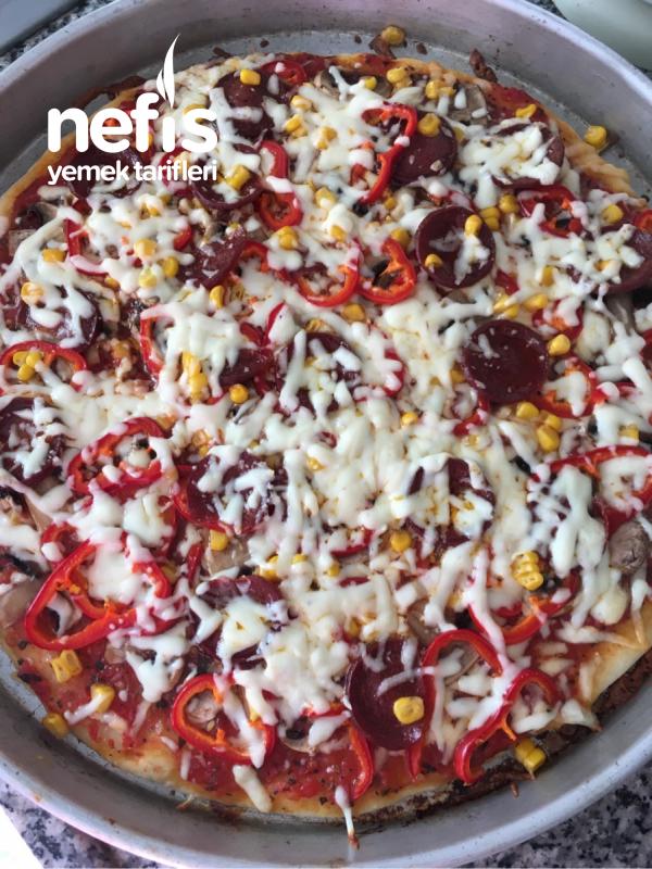 İtalyan Hamurlu Pizza Tarifi
