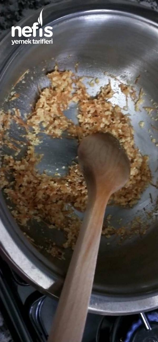 Takübi Çorbası (Köz Biberli Şehriyeli Tarhana)