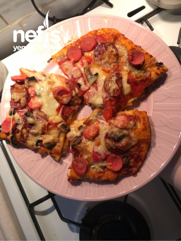 Çok Pratik Pizza Tarifi