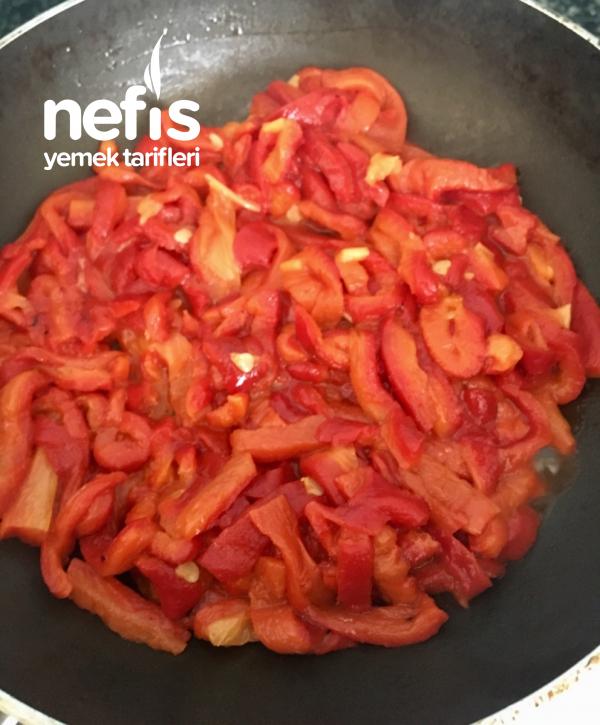 Kahvaltılık Közlenmiş Kırmızı Biber