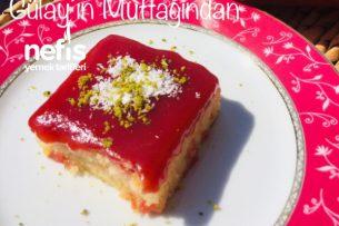 Erik Soslu Kırmızı Islak Kek Tarifi