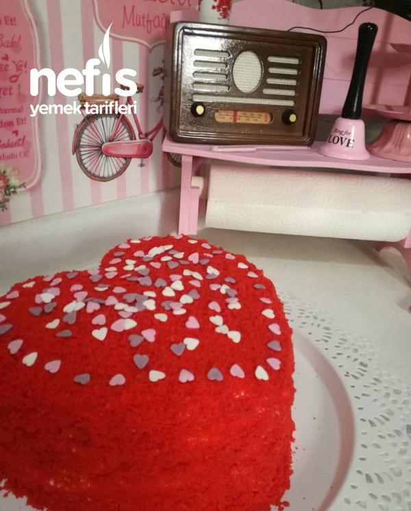 Kalpli Kadife Yaş Pasta