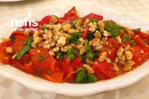 Pratik Kırmızı Biber Salatası Tarifi
