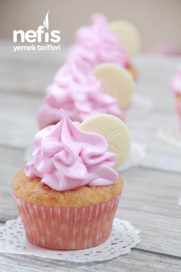 Vanilyalı Cupcake( Çok Şık Bir Pasta)