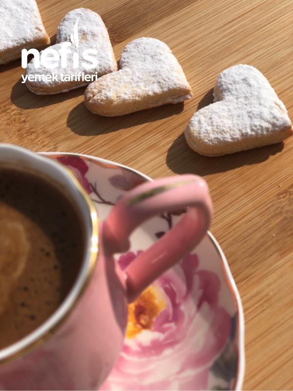 5 Dakikada Kahve Yanı Bisküvisi