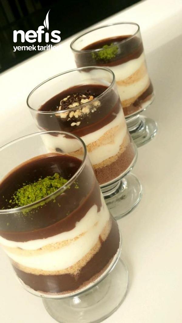 Çikolata Soslu Bisküvili Kup