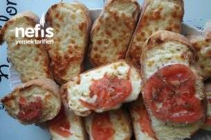 Kahvaltıya Kaşar Ve Domatesli Ekmekler Tarifi