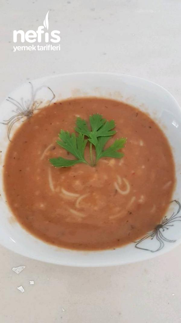 Et Sulu Tel Şehriyeli Tarhana Çorbası
