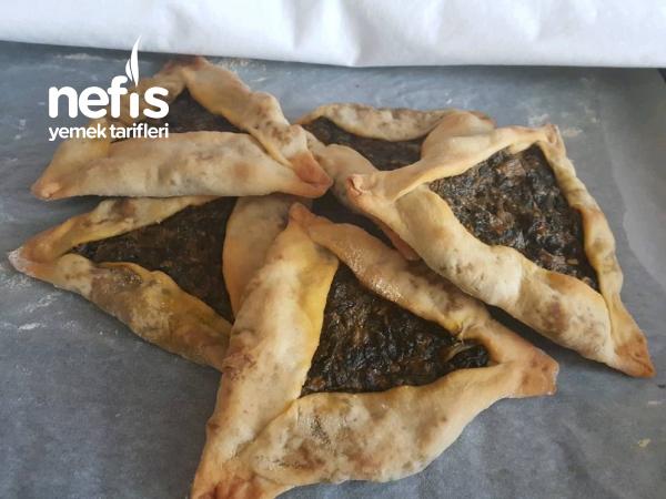 Ispanaklı Tahinli Üçgen Pide (Adana Mutfağı)