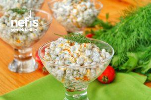Yedikçe Yedirten Yoğurtlu Bezelye Salatası Tarifi (videolu)