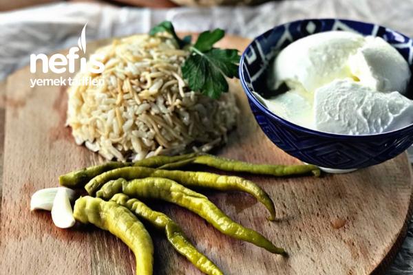 Soğanlı Şehriyeli Pirinç Pilavı Tarifi
