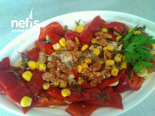 Köz Kırmızı Biber Patlıcan Salatası