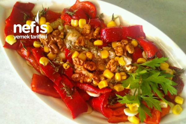 Köz Kırmızı Biber Patlıcan Salatası Tarifi
